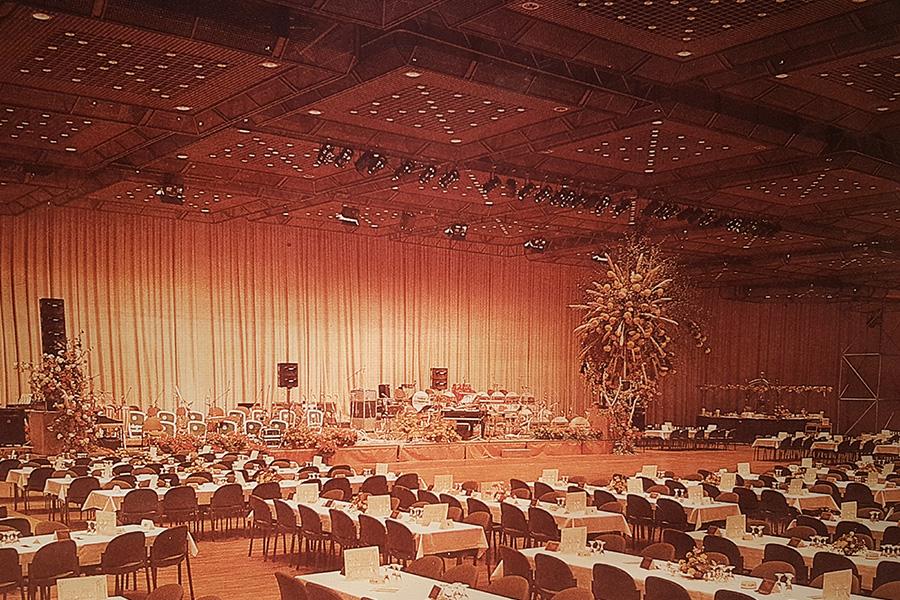 Die Saarlandhalle in Saarbrücken mit der damals größten Downlightanlage Deutschlands