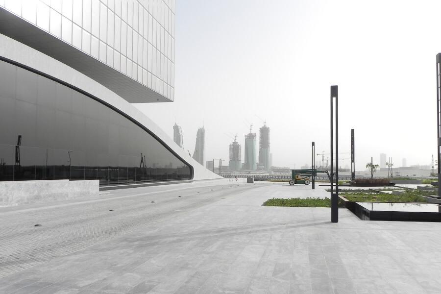 Außenbeleuchtung der Arcapita-Bank im Bahrain